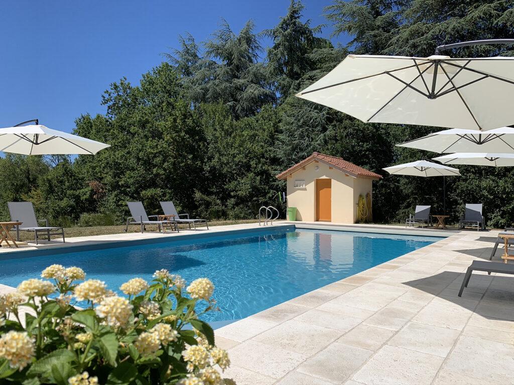 zwembad vakantiehuis Domain Le relais des Familles Dordogne Bergerac