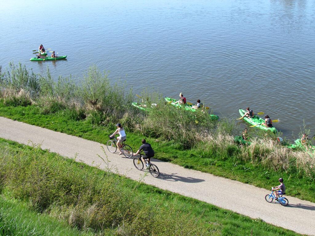 Huttopia Loirevallei fietsen langs de Loire