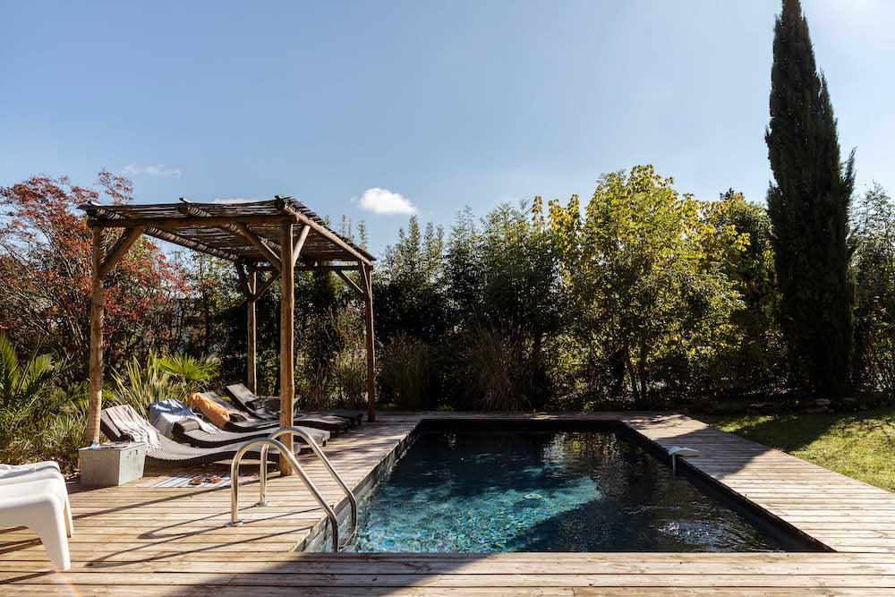 Maison aux volets bleus swembad
