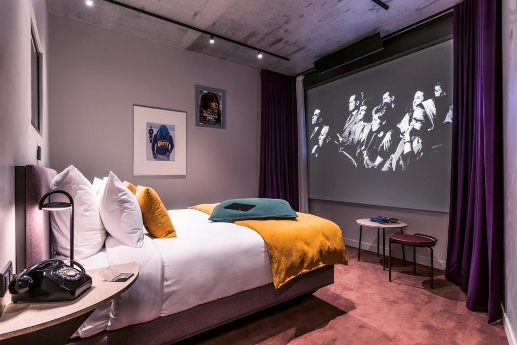 parijs-eerste-bioscoop-hotel-paradiso-dakterras